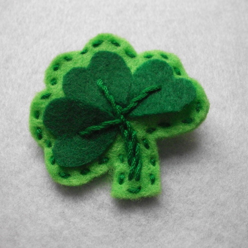 Shamrock brooch pin
