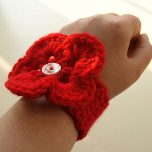 Linziloop handmade crochet wrist cuff giveaway