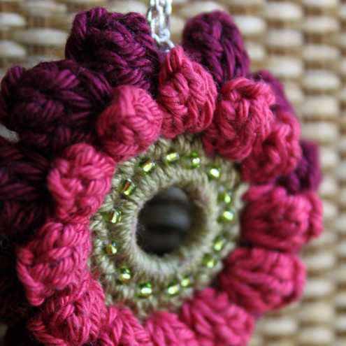 Wire Crochet Flower Pendant · Jewelry Making | CraftGossip.com