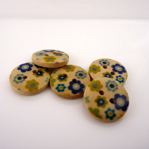 Wooden buttons with Blue Flowers