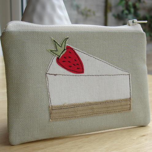 Dinky Daisy - Strawberry Cheesecake coin purse