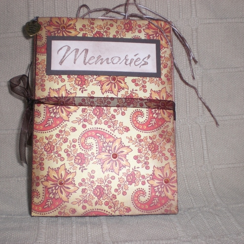 Storm Crafts - Memories Mini Book / Photo Album / Scrapbook