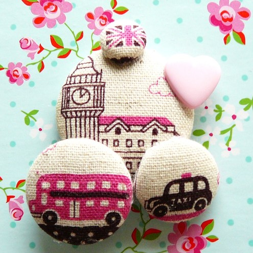 London loves pink retro pin brooch - Fluffs Stuffs