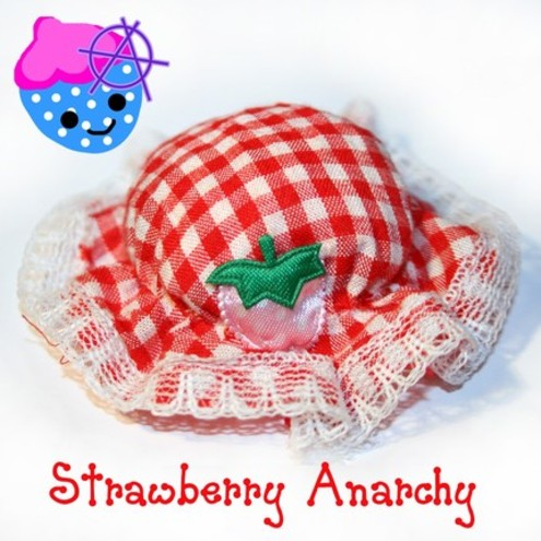  Tiny Strawberry Bonnet Hair Clip