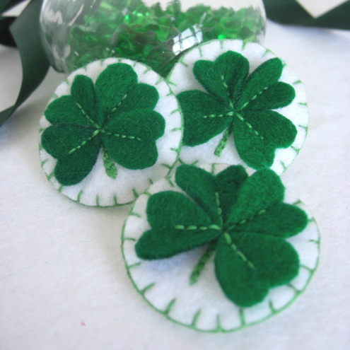Lucky 4-Leaf Clover Charm Pin £2.95 - Sticher Scribbler