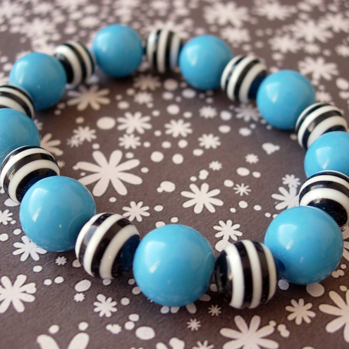 STRETCH BRACELET Blue Loves Monochrome £3.50