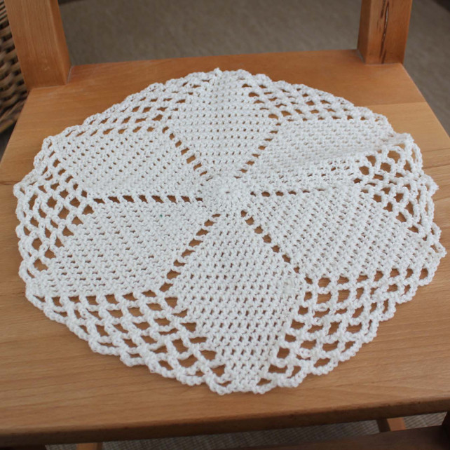Free Crochet Patterns For Table Doilies : Crochet Doilies Free Crochet Doily Patterns Pictures to ...