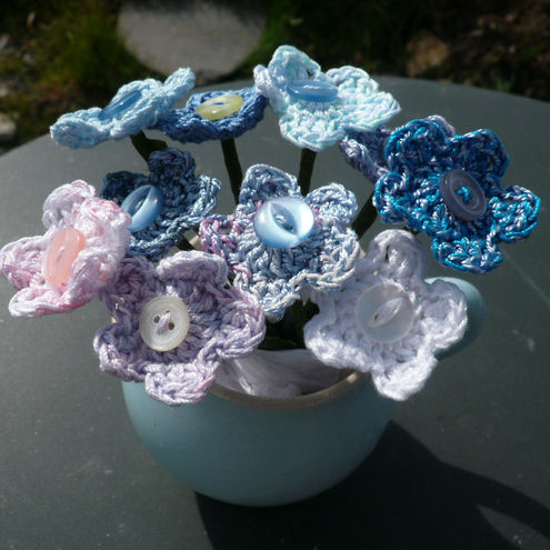 PATTERN – Crocheted Brooch Bouquet Flower Applique — Flower 20