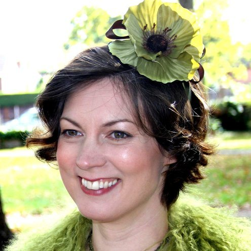 Green Poppy Fascinator £35.00