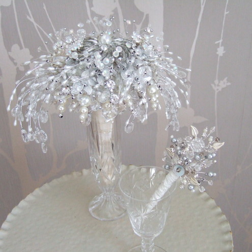 Debbie Carlisle Vintage Jewellery Wedding Bouquets