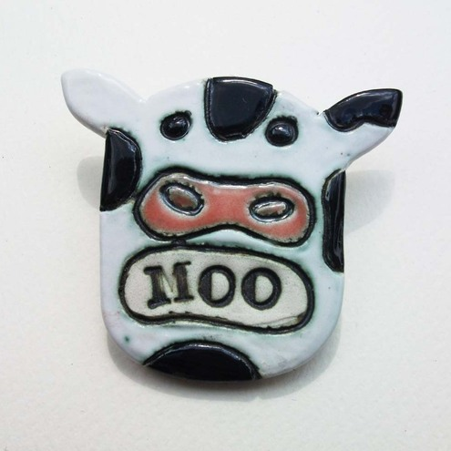 dotterypottery_cow_brooch