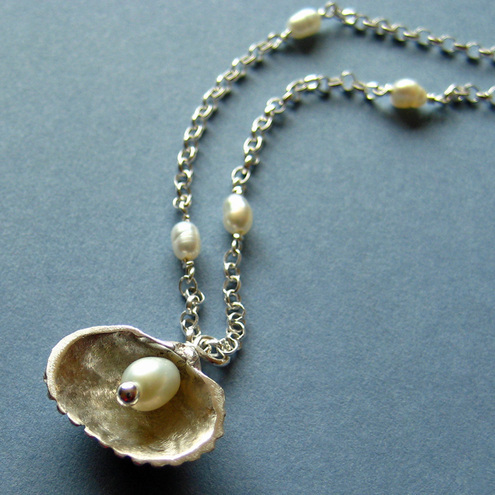 Small Shell Pearl Necklace