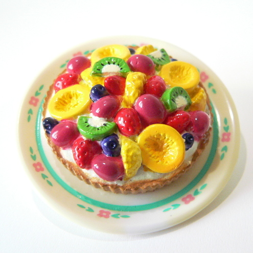 Aleximo Croissant - Juicy Fruit Tart Brooch