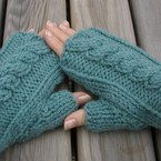 Really nice for those cold winter days :  wool fingerless accessories knit