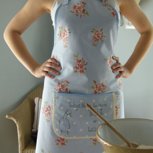 Floral apron with quip