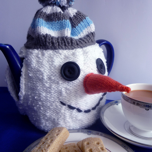 Ravelry: Gingerbread House Tea Cozy - Knitting Pattern pattern by