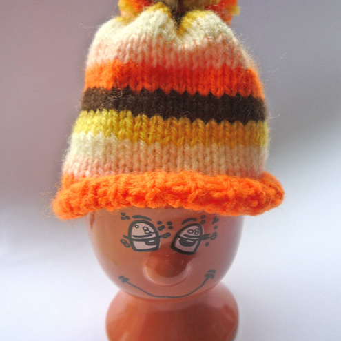 Crazy Daizy Knits - Knitted Egg Cosy Hat and Face Egg Cup