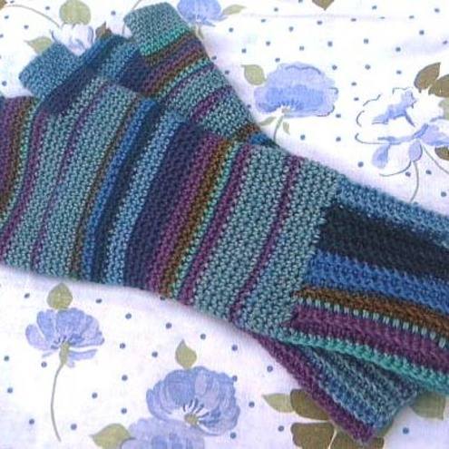 Crochet Fingerless Gloves Pattern | AllCrafts.net Free Crafts
