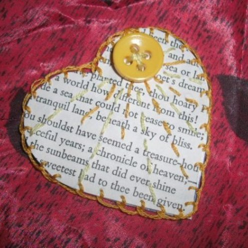 Make Me - Sky of Bliss Paper Heart Brooch
