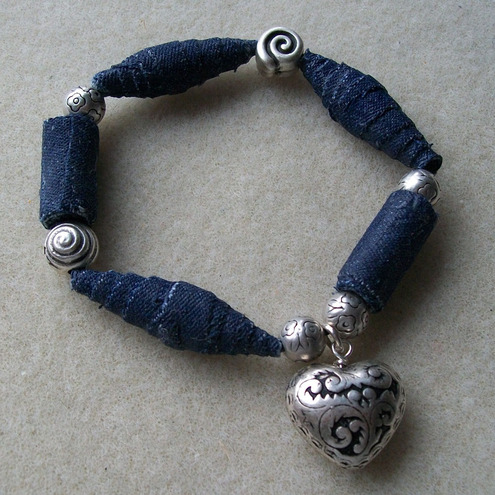mirabilis-denim-bead-bracelet-with-heart