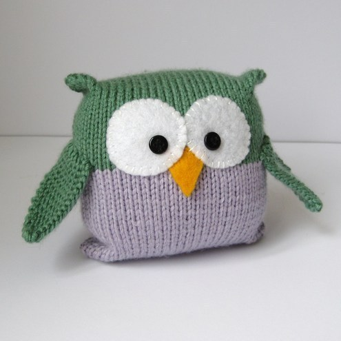 Fluff and Fuzz - Tooley Owlknitting pattern for beginners
