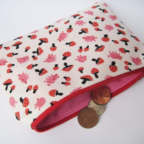 The pig and the mushroom coin purse by Sunny Sweet Pea