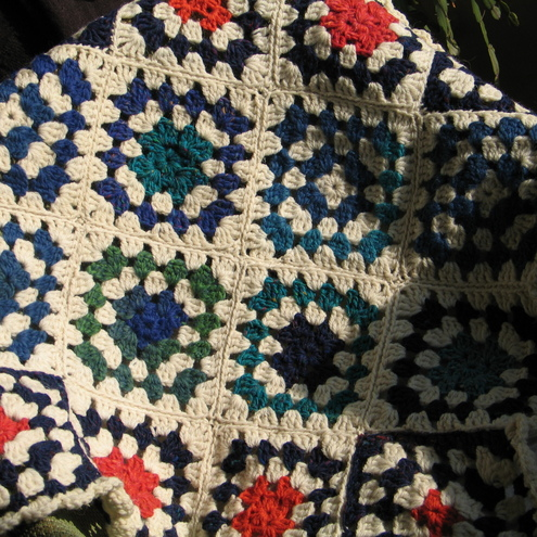 Afghan knee rug in Pure wool