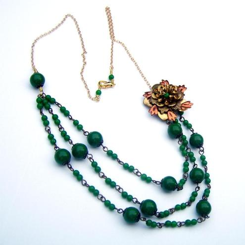 Necklace Copper flower with green beads