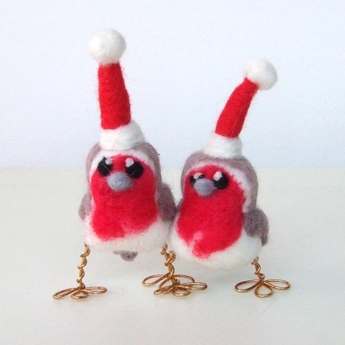 The felt menagerie - Robinson McTweet Teeny Robin with Santa Hat