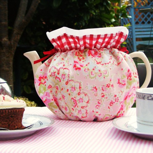 Retro Tea Cosy made with Cath Kidstons Paisley Fabric
