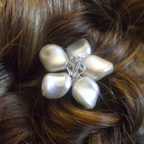 pin up wedding hair. Stunning hair pins for the