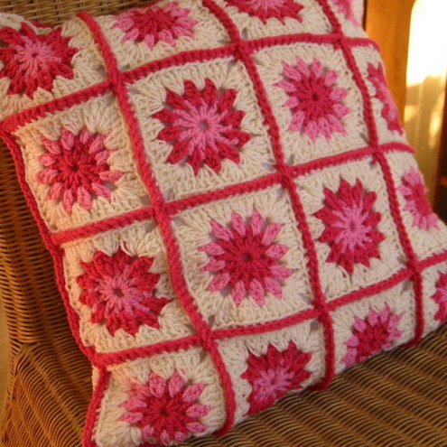 new crochet pattern - rectangular decorative pillow cover.